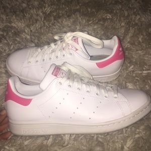 le adidas stan smith 8 poshmark rosa bianca