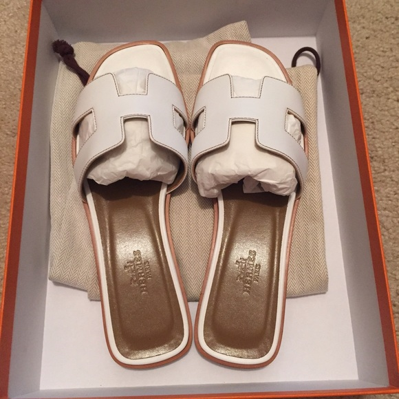 dceb2f984961 Hermes Oran Sandals