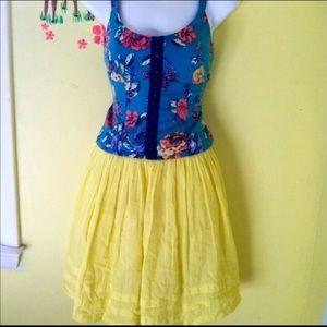 Eyeshadow Tops - Blue corset style Floral eyelet crop tank top M