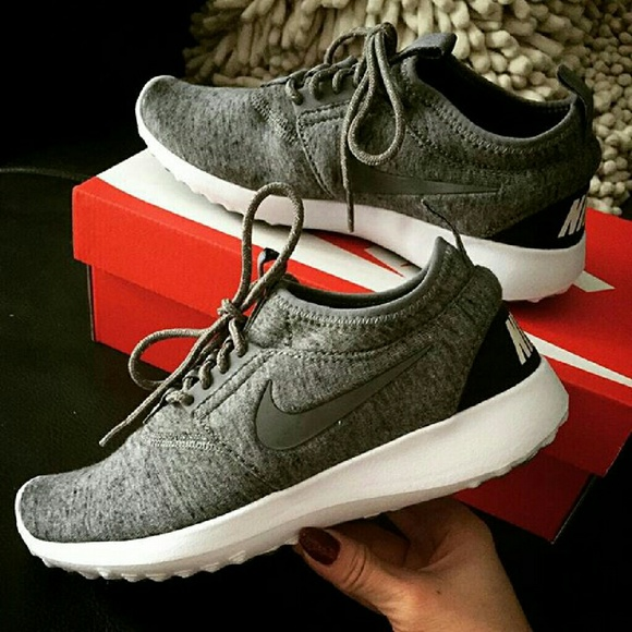 fc8e57e9150308 Nike Juvenate Gray Fleece Roshe