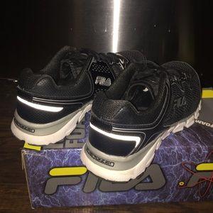 Fila Hombres De Los Zapatos De Espuma De Memoria En Ejecución 3LJH4J