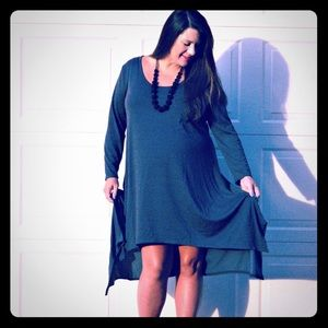 Umgee Dresses & Skirts - Long Sleeved Unique Grey Dress