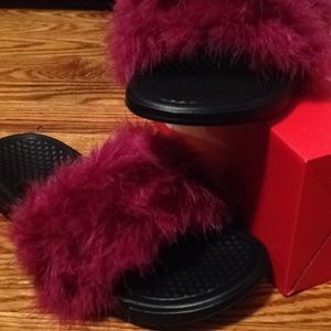 Nike Shoes - Furry Nike Slides