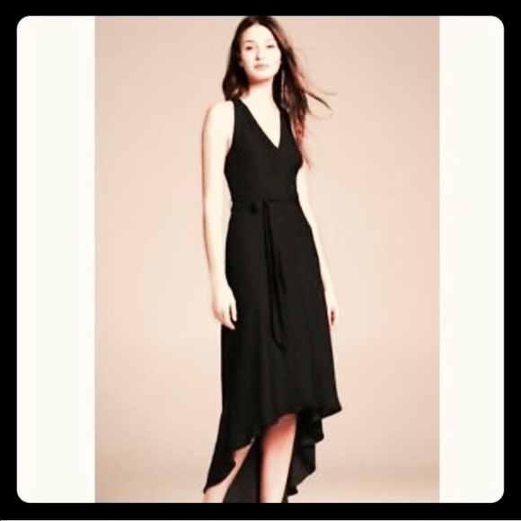 8f08cc5643e Banana Republic Dresses   Skirts - 💃🏼 Reduced! Banana republic high low  Flowy dress