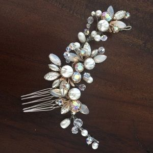 Accessories - Jeweled hair comb