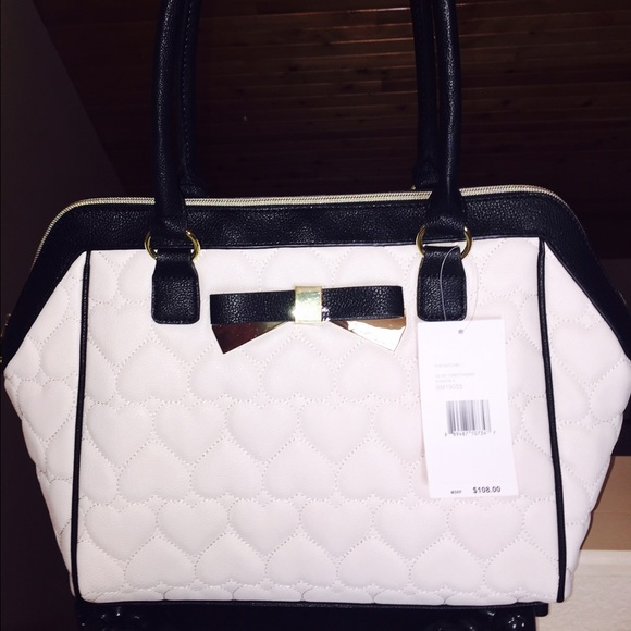 Betsey Johnson Handbags - NWT White & Black Heart Purse❤️