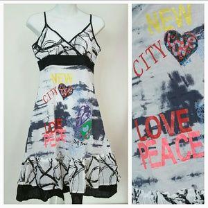 Dresses & Skirts - Urban Chic dress NWT 🌟🌟🌟🌟🌟