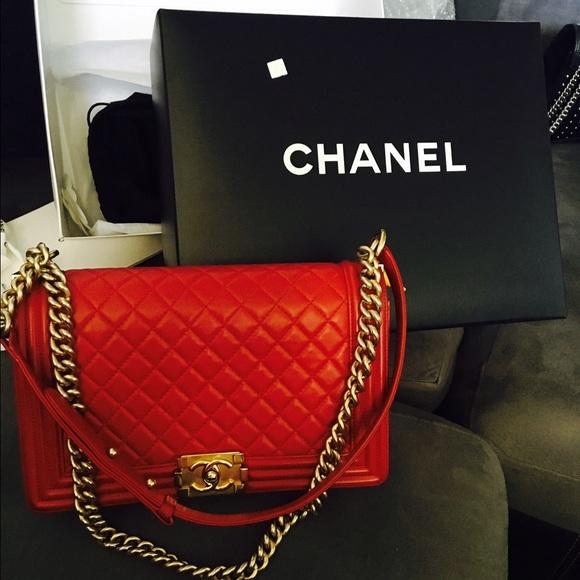 2636b0780e80 CHANEL Handbags - Auth Red Chanel Boy Bag New Medium