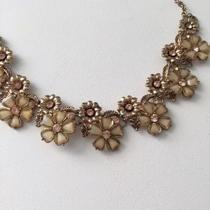 Forever 21 Jewelry - Blush Statement Necklace