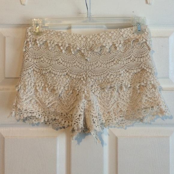Pants - Lace layered shorts