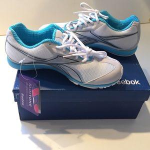 Reebok Shoes - 📍NEW 📍Reebok Slimtone Tranny Sneakers