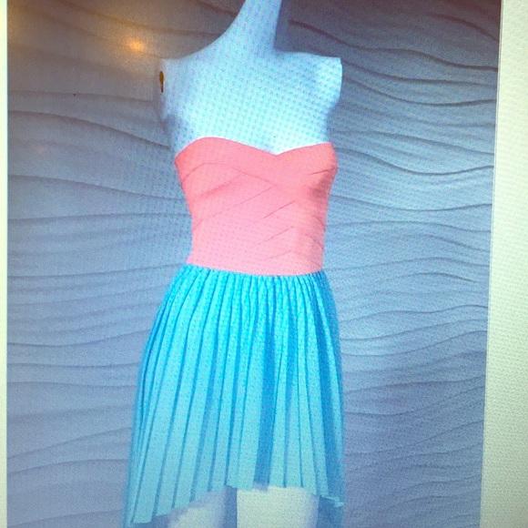 LF Dresses & Skirts - LF High-Low Dress