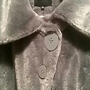 468a7531de7 Super cute cozy faux fur jacket