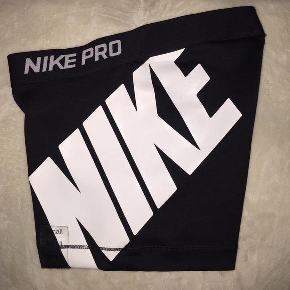 Trueno Incidente, evento Bastante  Nike Shorts   Nike Pro Logo Black Compression Shorts   Poshmark