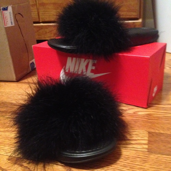 46383c08e104 Furry Nike Slides