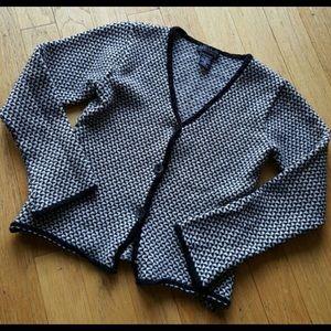 Sweaters - Adorable Italian Cardigan❤️❤️