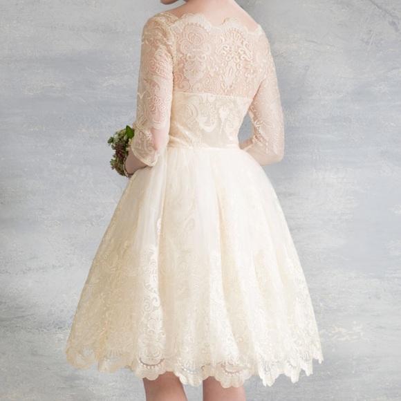 0f2c1a462d7 Gilded Grace Dress in Champagne. M 56b60f36b4188e6645010ce3