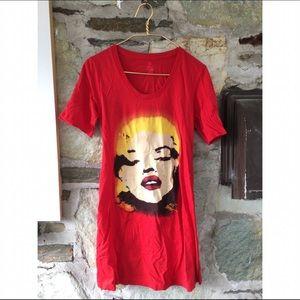 Betsey Johnson Dresses - Betsey Johnson Marilyn Monroe t-shirt dress sz m-l