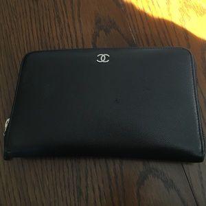 CHANEL Handbags - Authentic Chanel black caviar zip around wallet