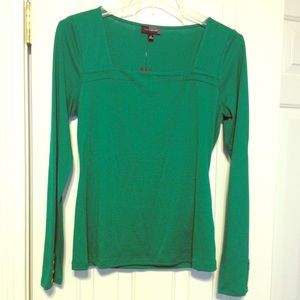 Emerald green shirt with adorable button detail!