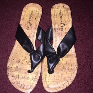 Shoes - Wedge flip flops with black straps
