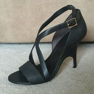 Rachel Roy lizard embossed with novelty heel