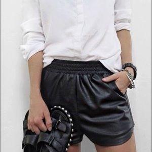 Zara Faux leather short