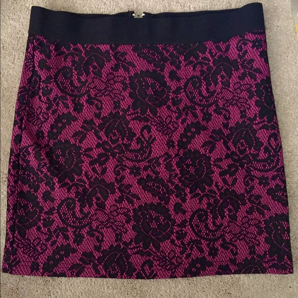 Divided Dresses & Skirts - Divided by H&M pink black lace floral mini skirt