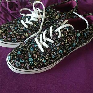 Vans Shoes - Vans floral lo pro shoes