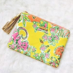 Lilly Pulitzer for Target Handbags - Lilly Pulitzer x Target Floral Fringe Clutch