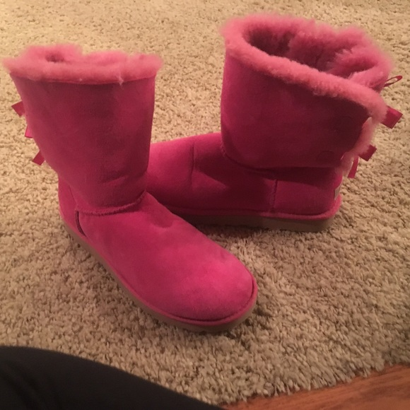 37 off ugg shoes pink bailey bow uggs from maggie 39 s closet on. Black Bedroom Furniture Sets. Home Design Ideas