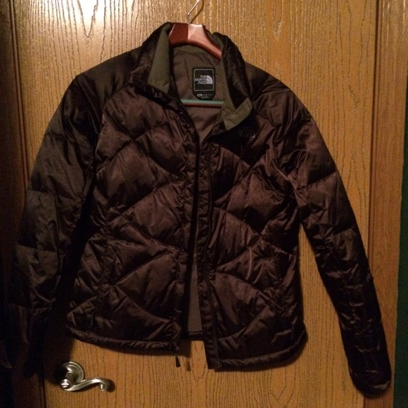 CLEARANCE! North Face brown puffer jacket sz M ❄️