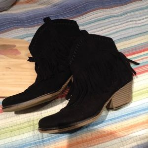 Forever 21 Shoes - 🌴 little Black Cowboy Booties
