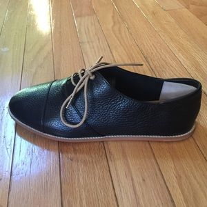 Carlo Pazolini women's leather shoes. Size 39. New