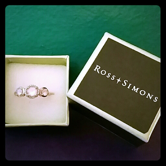 Ross-Simons Jewelry. K likes. For 65 years, Ross-Simons has dazzled customers with fabulous jewelry at great prices. Like our page for the latest.