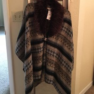 Accessories - NWT PONCHO SWEATER