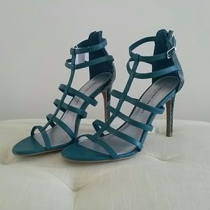 Christian Siriano Shoes - DISCOUNTED Teal snakeskin print gladiator heels!👠
