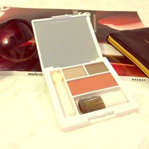 Clinique Other - 💲$10 SALE💲 CLINIQUE Eyeshadow and Blush Compact