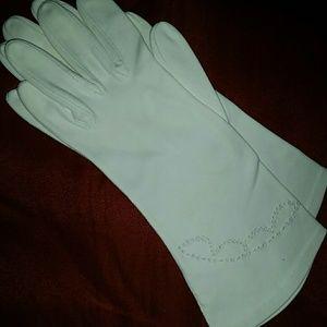 Aris Accessories - Vintage Authentic Aris Italian Cotton Gloves