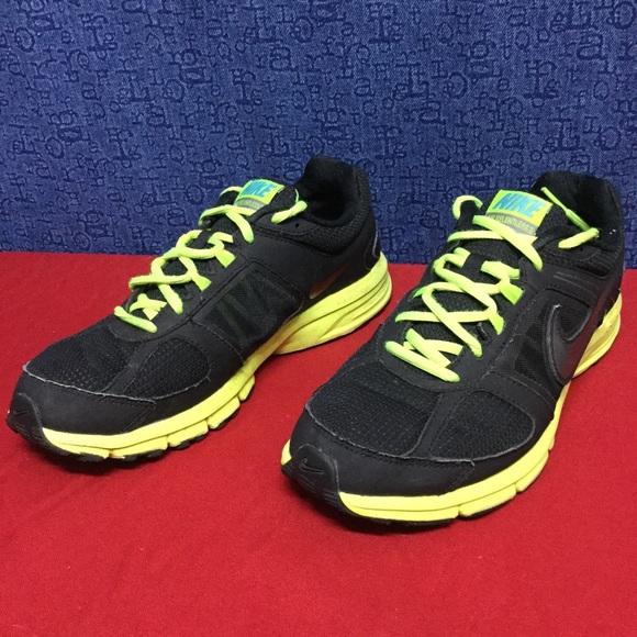 il 72% delle scarpe nike air implacabile 3 blackgreen 405 poshmark 1995