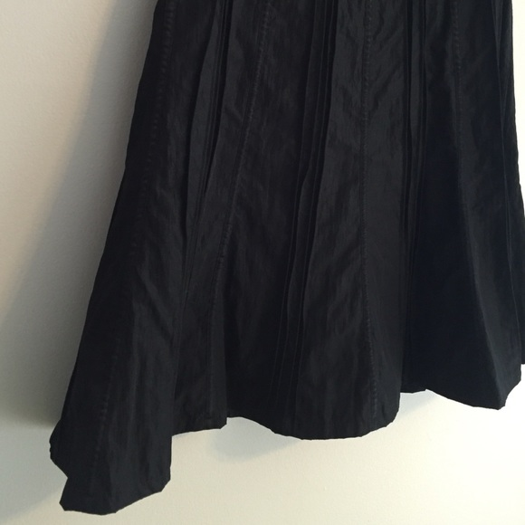 83 dresses skirts black the knee