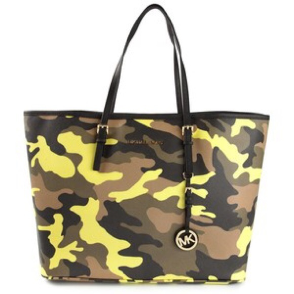 Neon green camouflage bag. M 56b7e771713fde555703b615 fbee12d9be7b