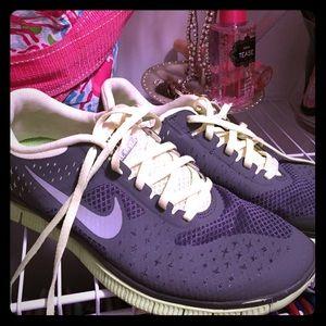 Nike lime and grey free run