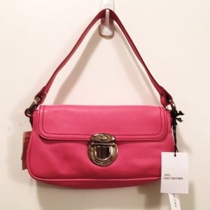 Marc Jacobs Handbags - NWT pink leather Marc Jacobs purse w metal clasp