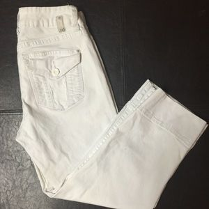 White Capri pants size 6