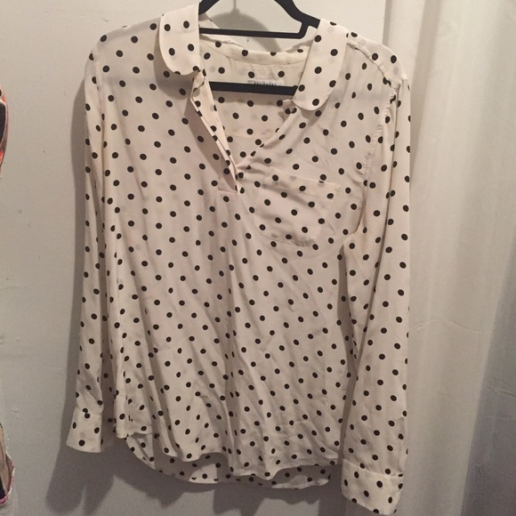 38930f4bd9e05 Equipment Tops - Equipment Adele silk blouse with black dots