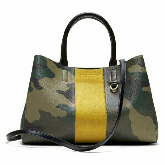 e4bbfcee618a BNWT Banana Republic camo print   calf hair bag