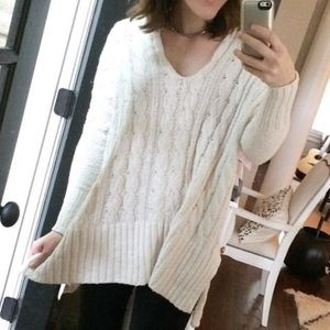 NWT!! Free people ivory v-neck sweater