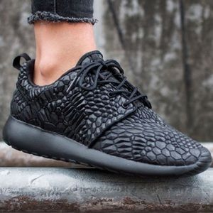 Nike Roshe One DMB Sneakers