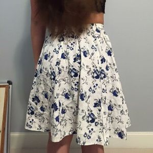 Adorable white blue floral midi skirt